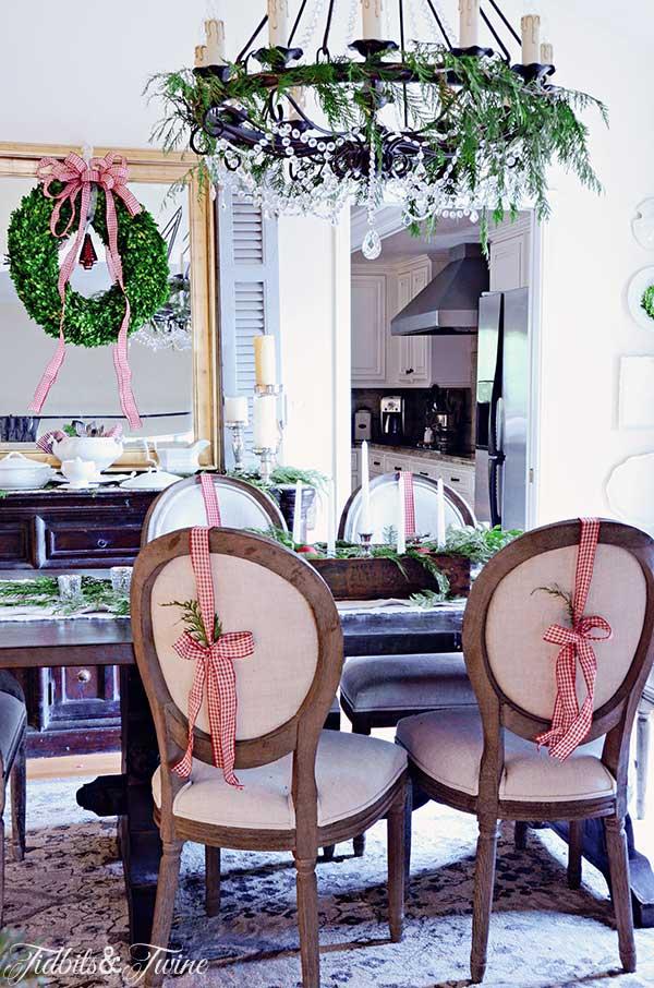TIDBITS-&-TWINE-Christmas-Dining-Room-2