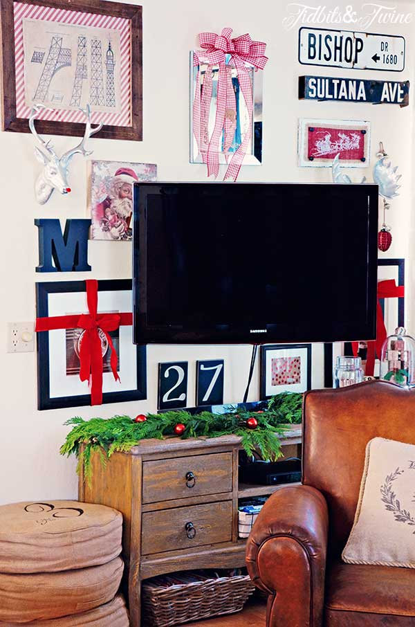 TIDBITS-&-TWINE-Christmas-Gallery-Wall-2