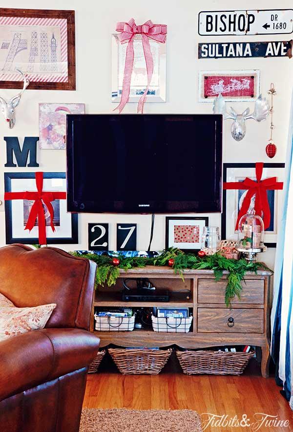 TIDBITS-&-TWINE-Christmas-Gallery-Wall-3