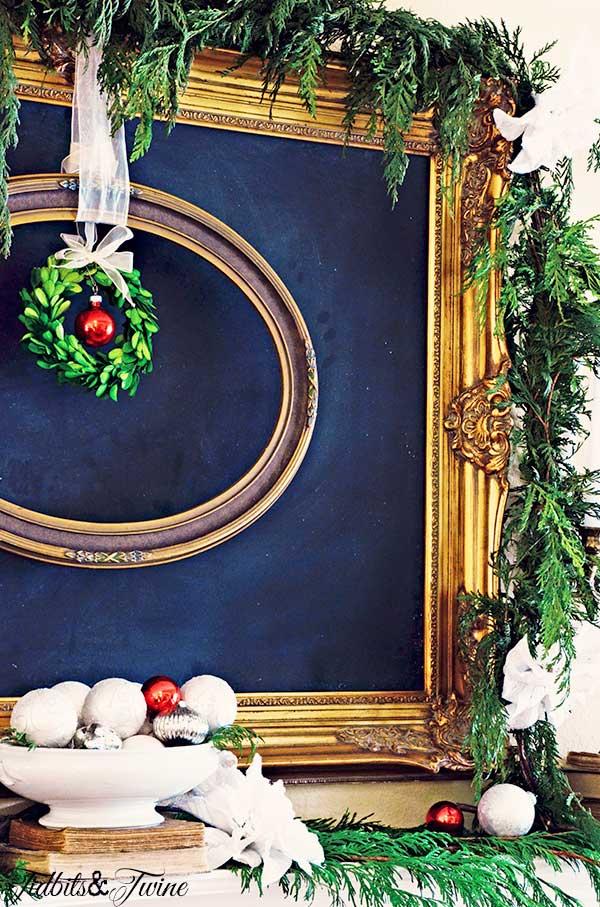 TIDBITS-&-TWINE-Christmas-Living-Room-Mantel-4