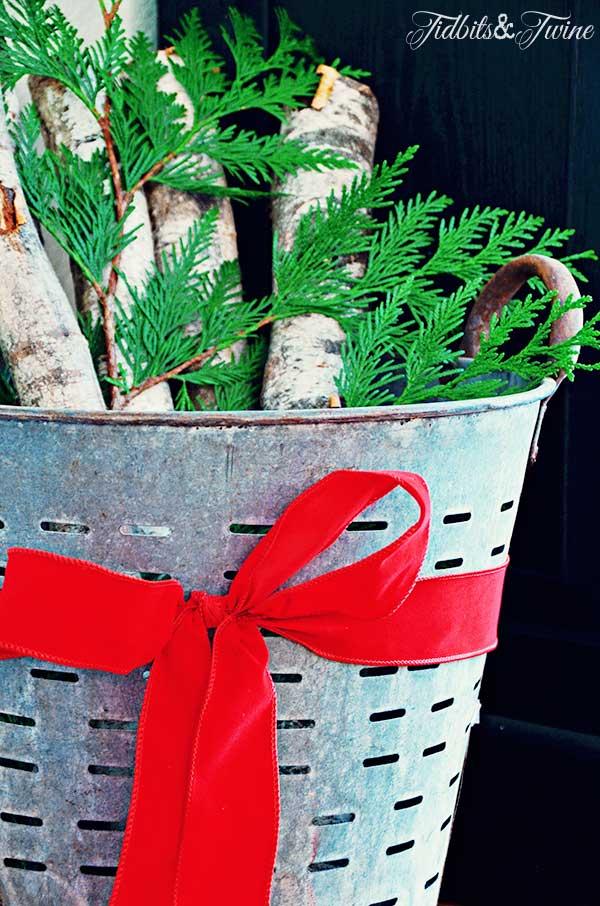 TIDBITS-&-TWINE-Christmas-Olive-Bucket
