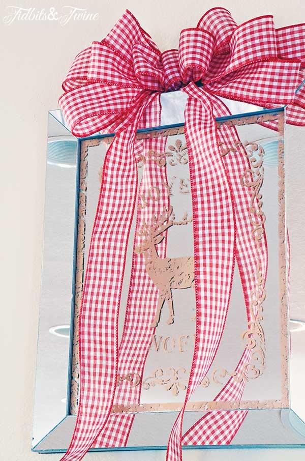 TIDBITS-&-TWINE-Fancy-Bow-Christmas-Gallery-Wall