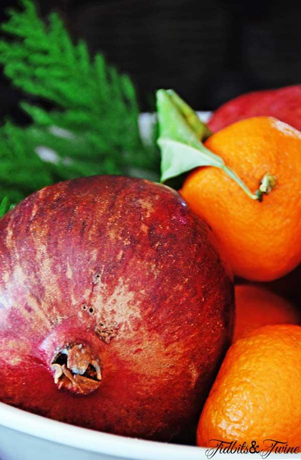 TIDBITS-&-TWINE-Holiday-Fruit-Display