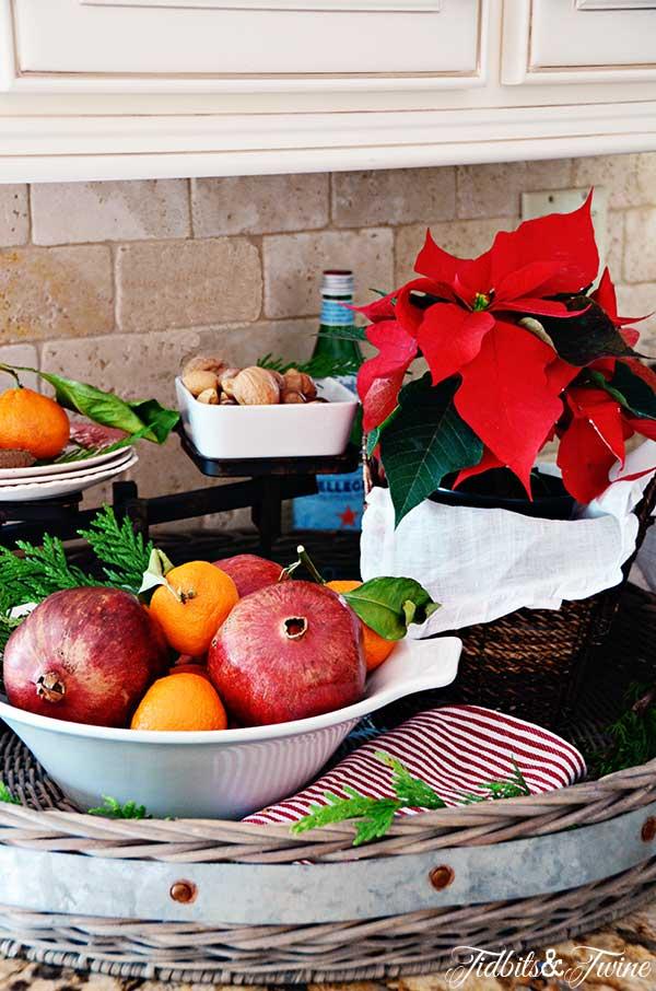 TIDBITS-&-TWINE-Vintage-Holiday-Kitchen-Tray