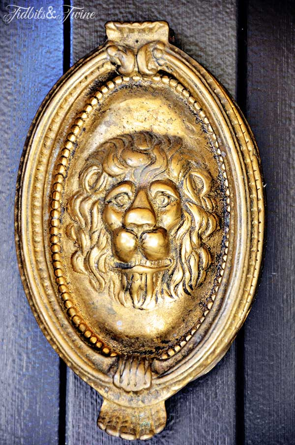 TIDBITS-&-TWINE-Antique-Lionhead-Door-Knocker