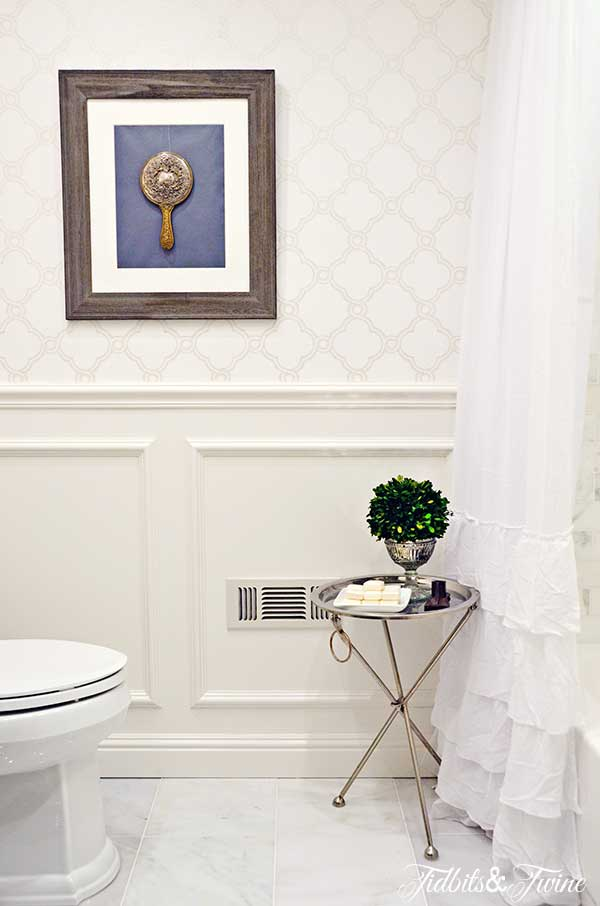 TIDBITS-&-TWINE-Bathroom-Wainscoting