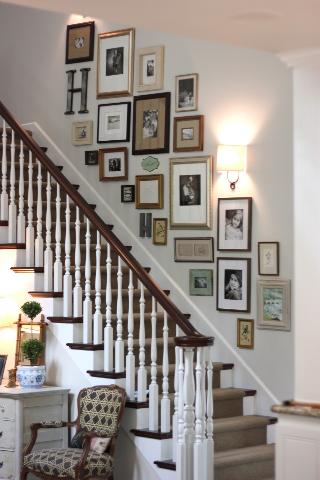 Wall Decor For Stairs : Decorating a staircase ideas inspiration tidbits twine
