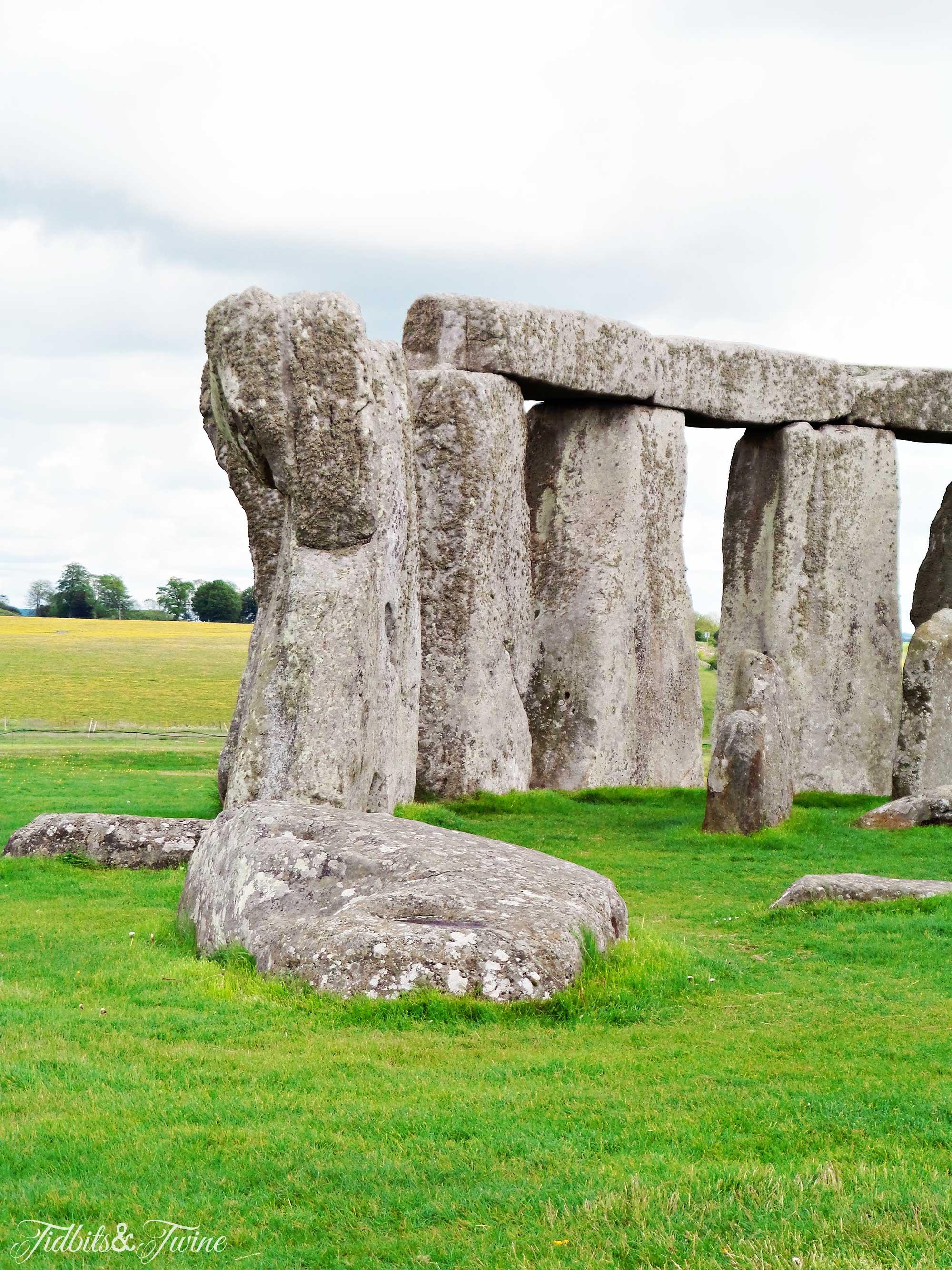 TIDBITS&TWINE---Stonehenge