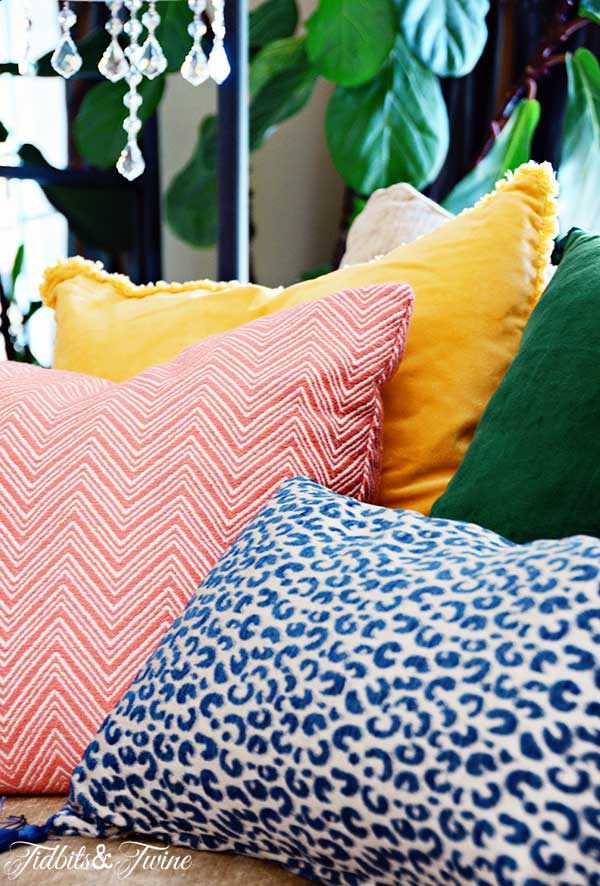 TIDBITS&TWINE---Sofa-Pillows