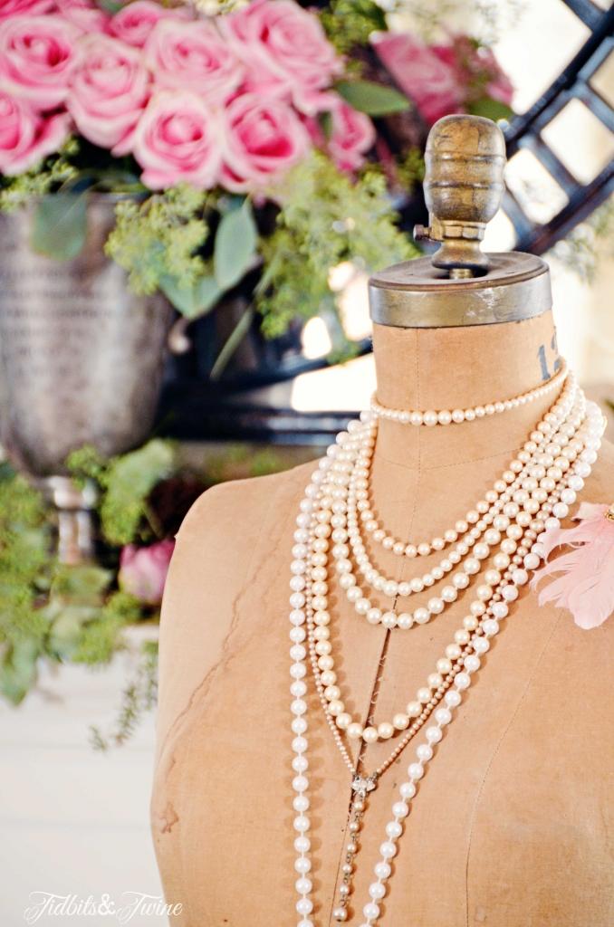 TIDBITS&TWINE--Vintage-Dress-Form-for-Fall