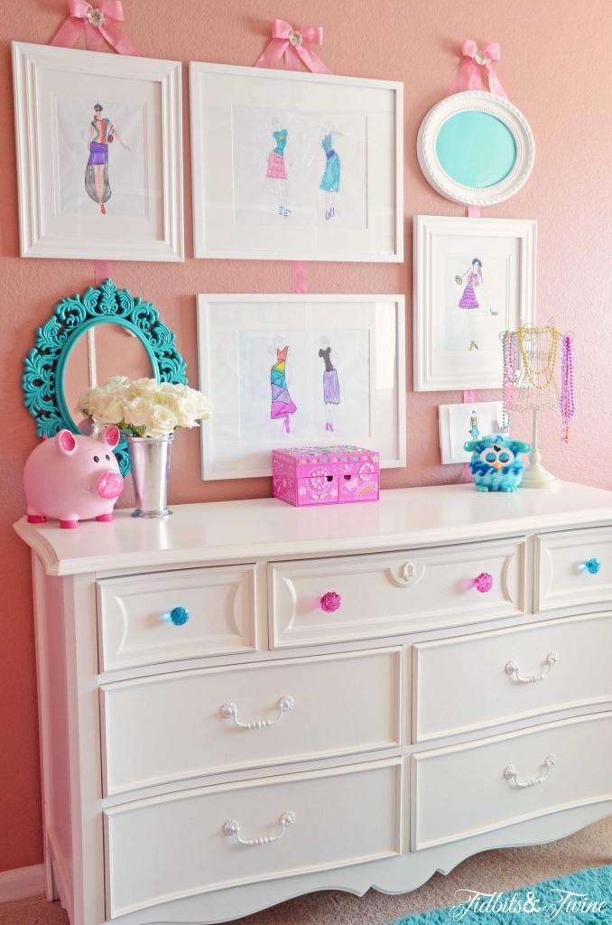 TIDBITS-&-TWINE-Girl-Room-Gallery-Wall