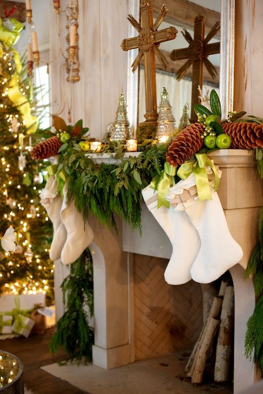 Creative elegant holiday garland ideas tidbits twine Christmas decorations interior design
