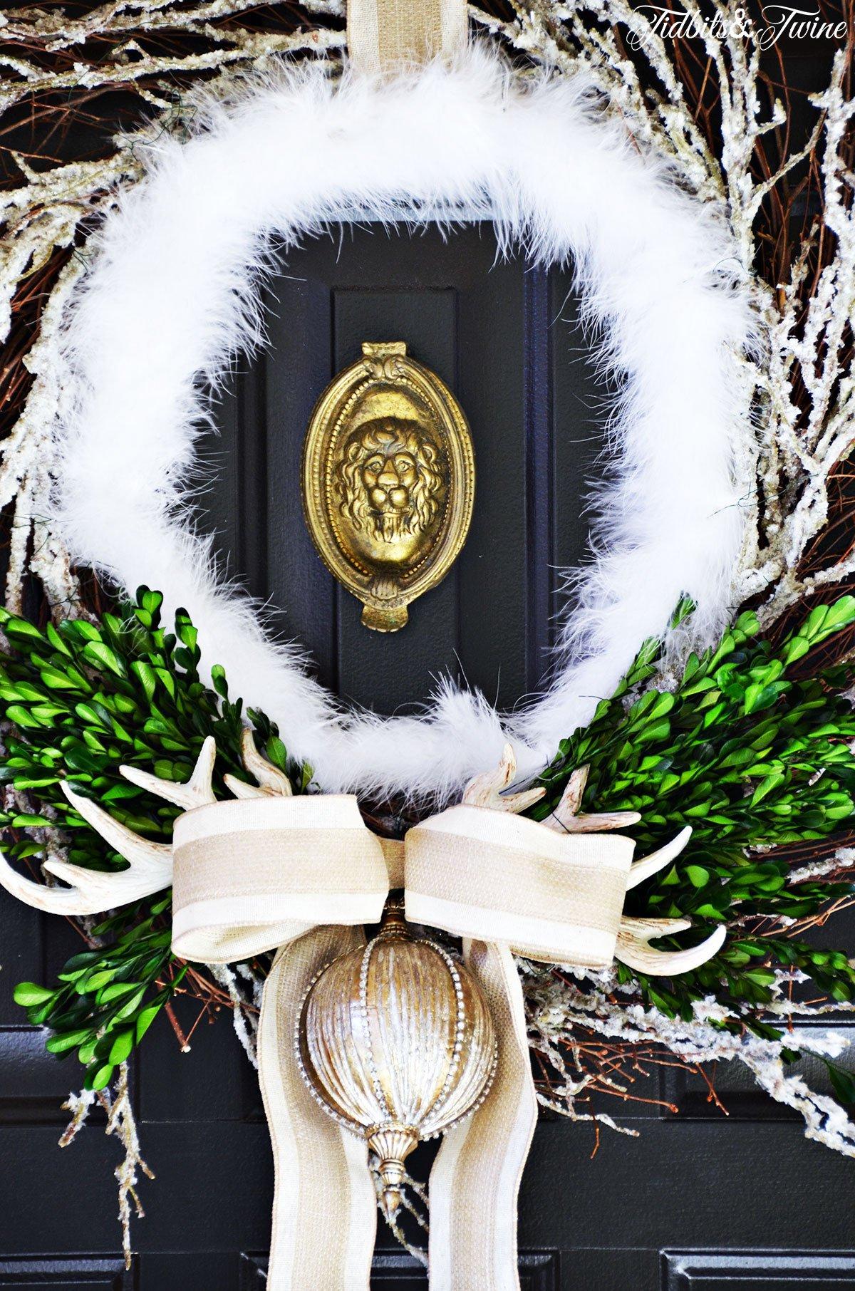 TIDBITS-&-TWINE---DIY-Boxwood-Christmas-Wreath-Front-Door-Closeup