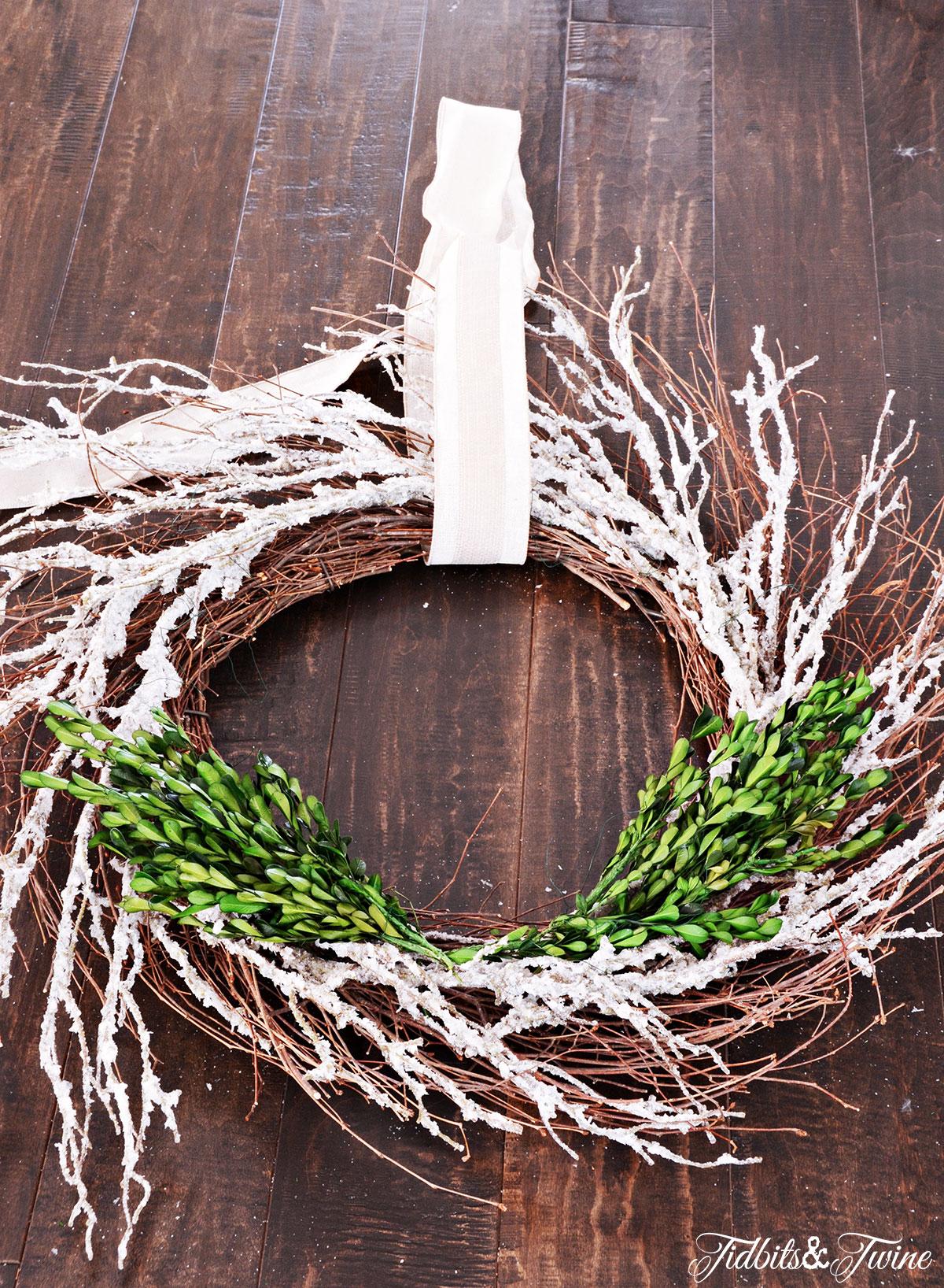 TIDBITS-&-TWINE---DIY-Boxwood-Christmas-Wreath-Step-3