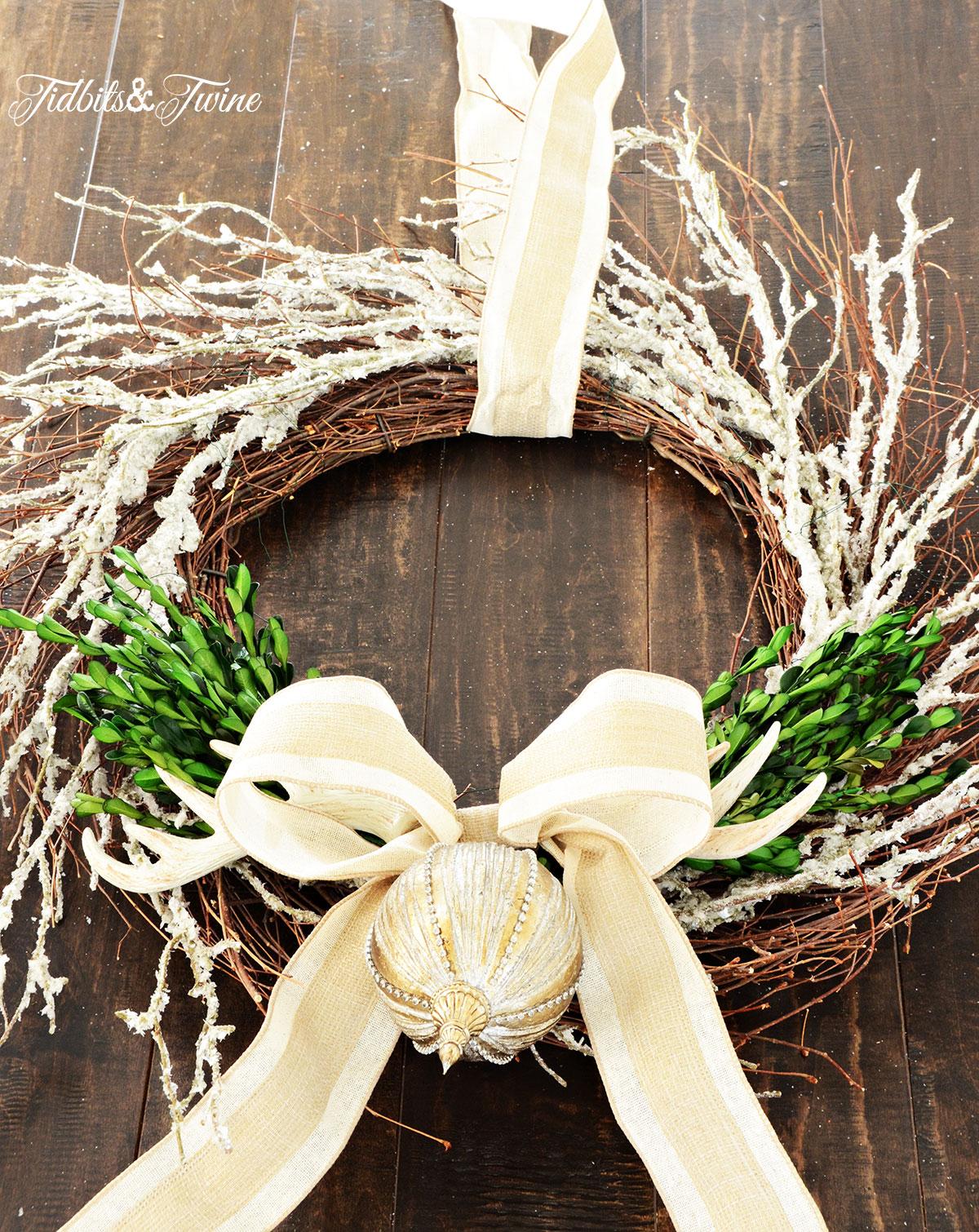 TIDBITS-&-TWINE---DIY-Boxwood-Christmas-Wreath-Step-5