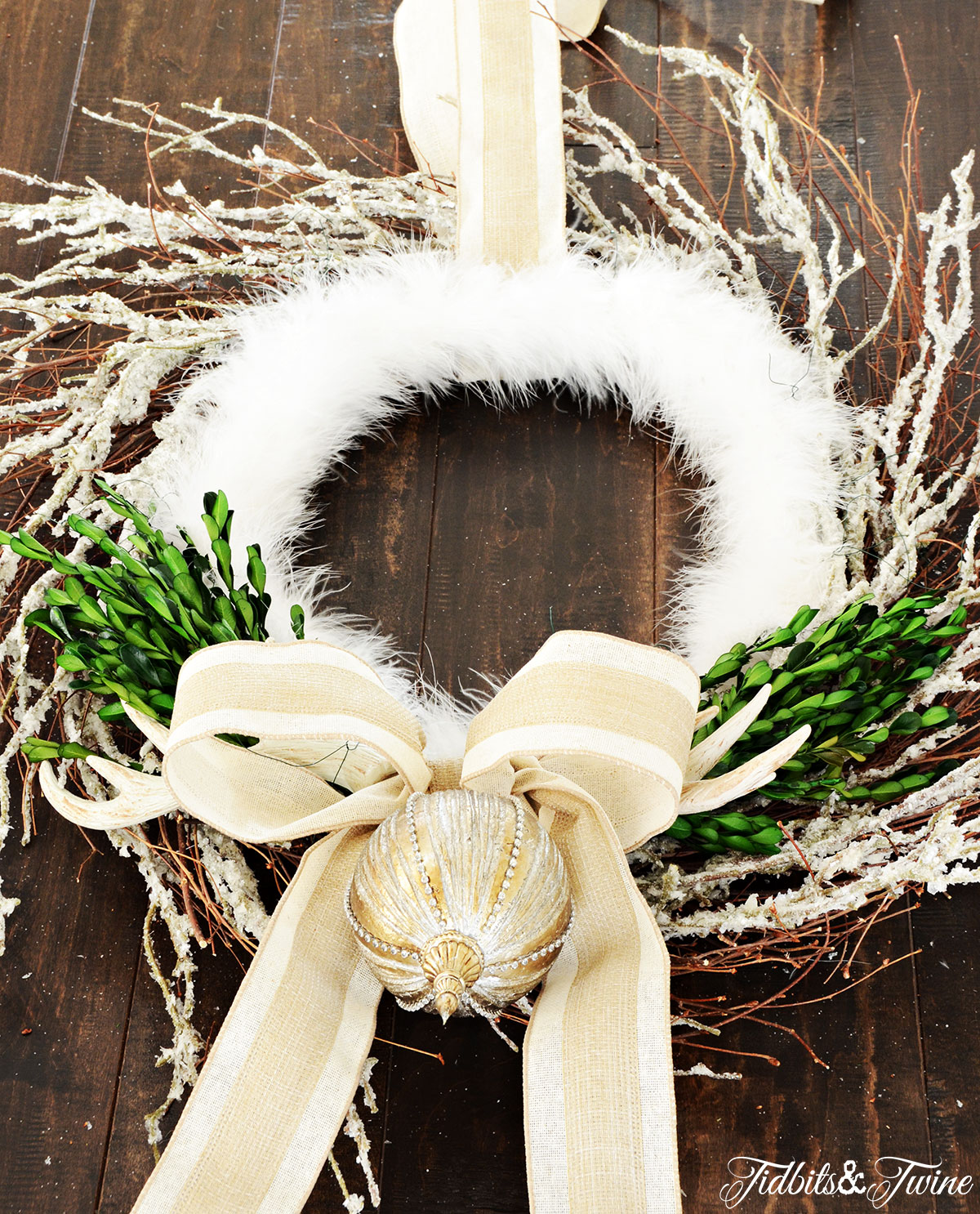 TIDBITS-&-TWINE---DIY-Boxwood-Christmas-Wreath-Step-6