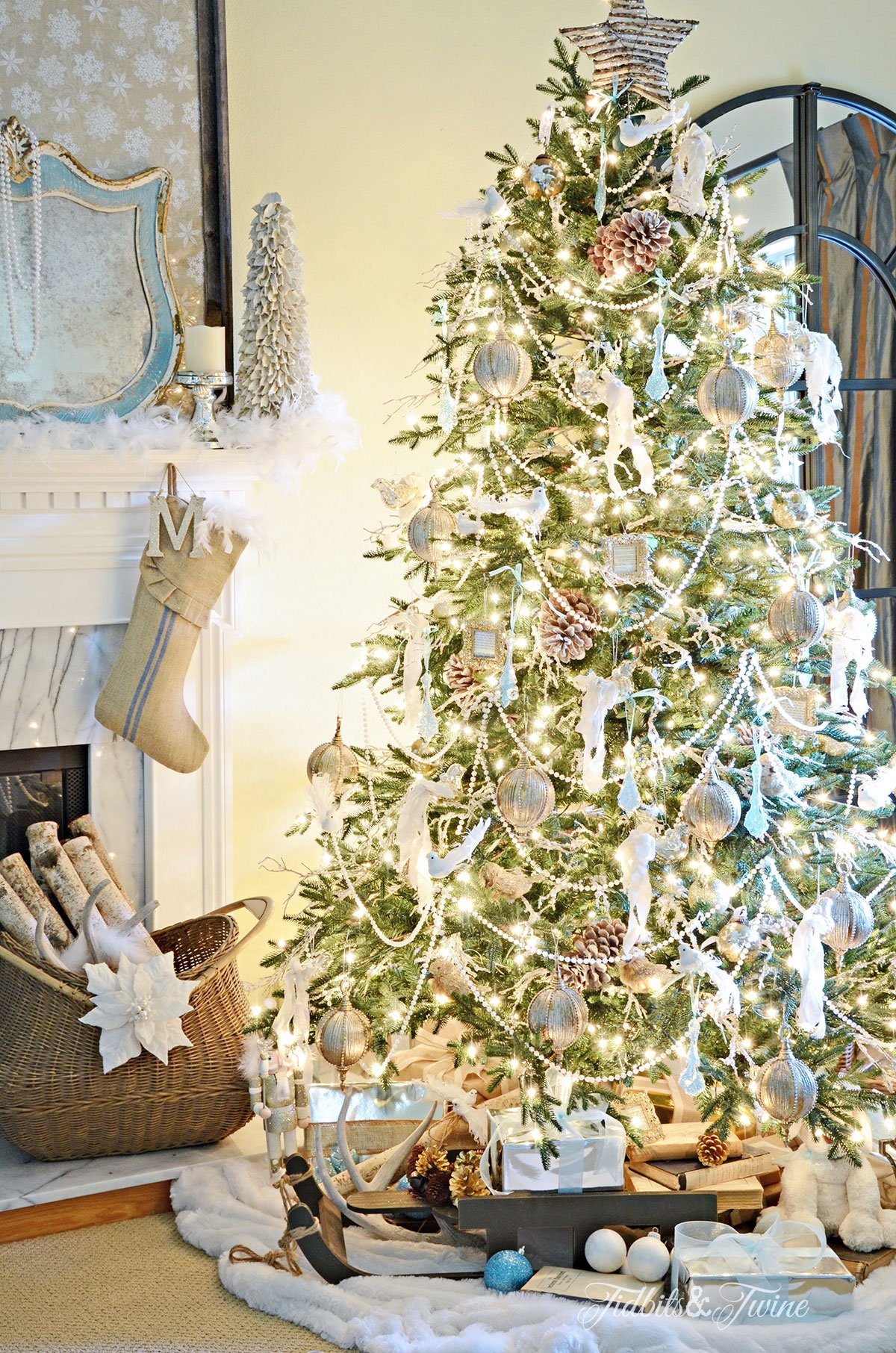 Blue and white French Christmas from Tidbits&Twine
