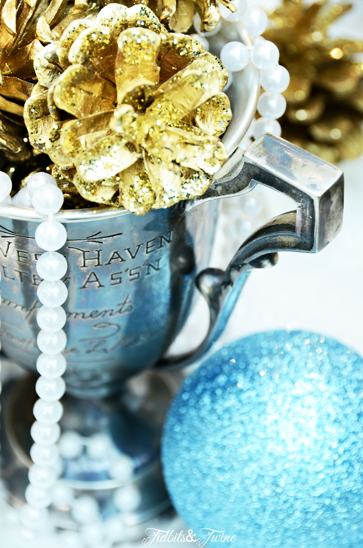 TIDBITS&TWINE French Vintage Blue and White Christmas Tree with Trophy and Pearls
