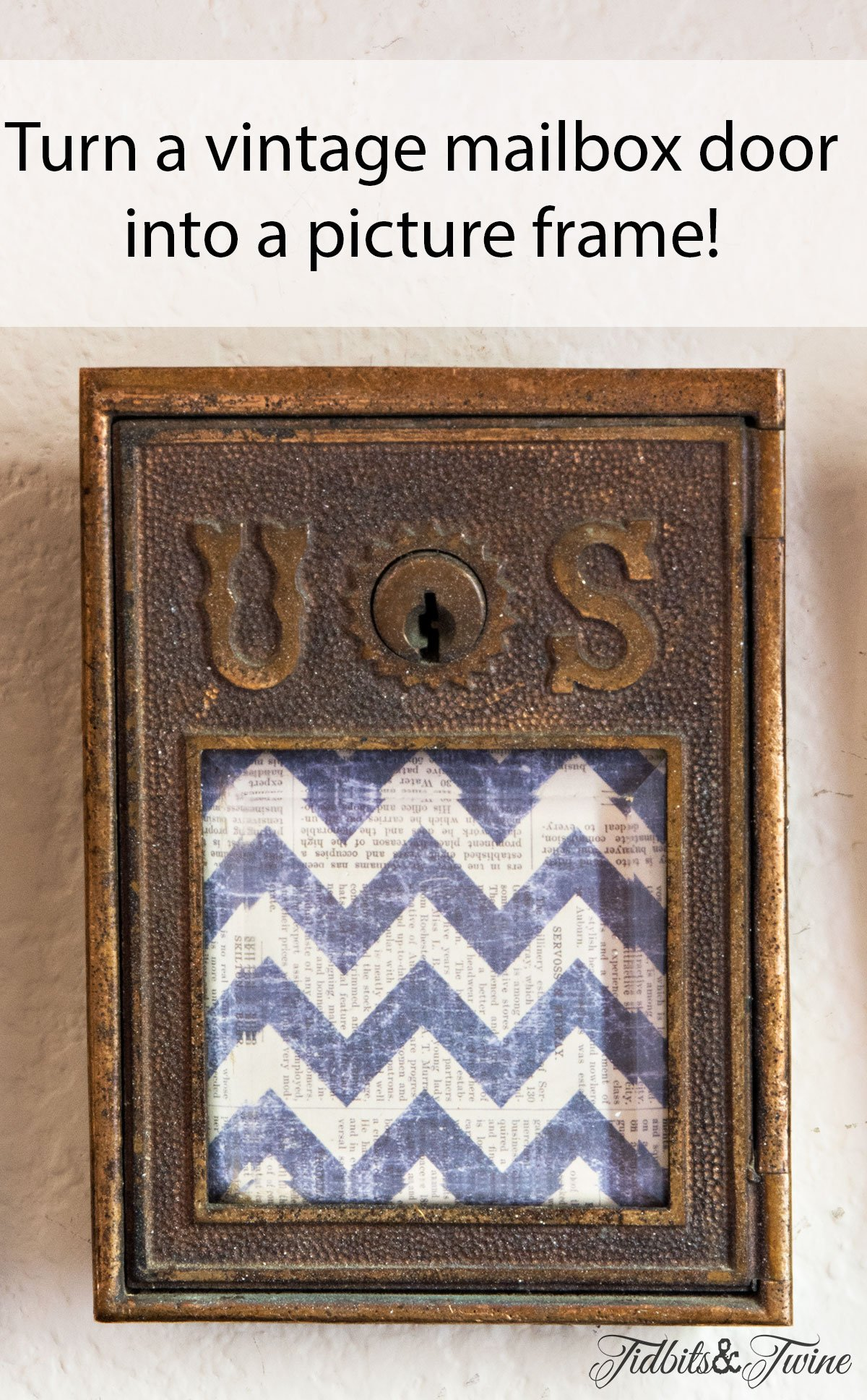 TIDBITS&TWINE-TV-Gallery-Wall-Vintage-Mailbox-Door-Picture-Frame