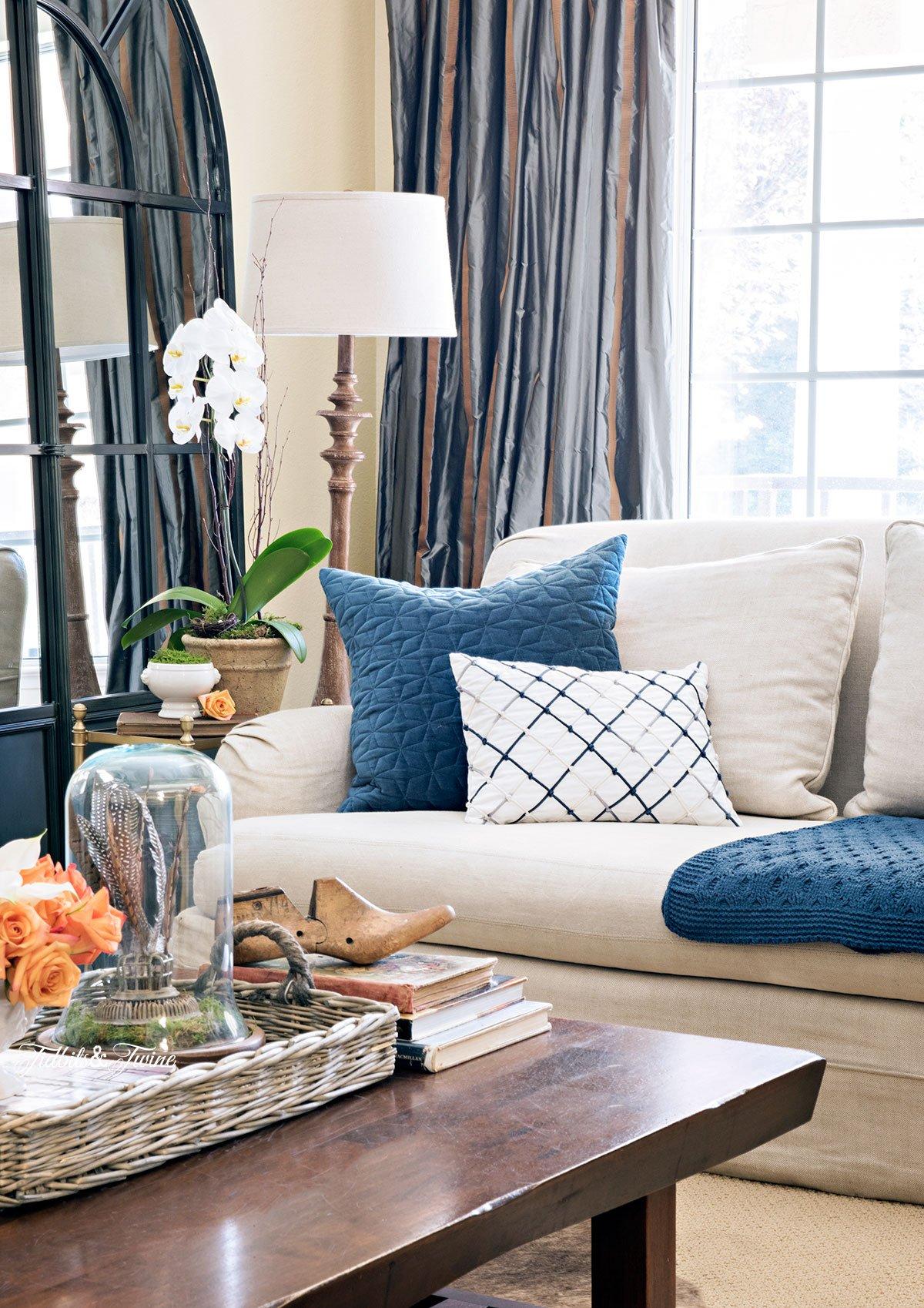 Tidbits&Twine-Spring-2015-Living-Room-Coffee-Table-and-Sofa