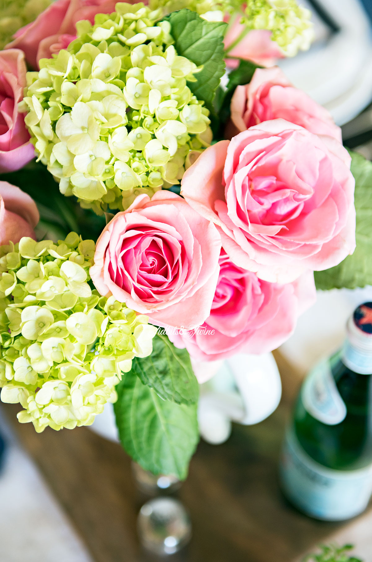 Tidbits&Twine-Spring-Dining-Room-Pink-Rose-and-Green-Hydrangea-Centerpiece