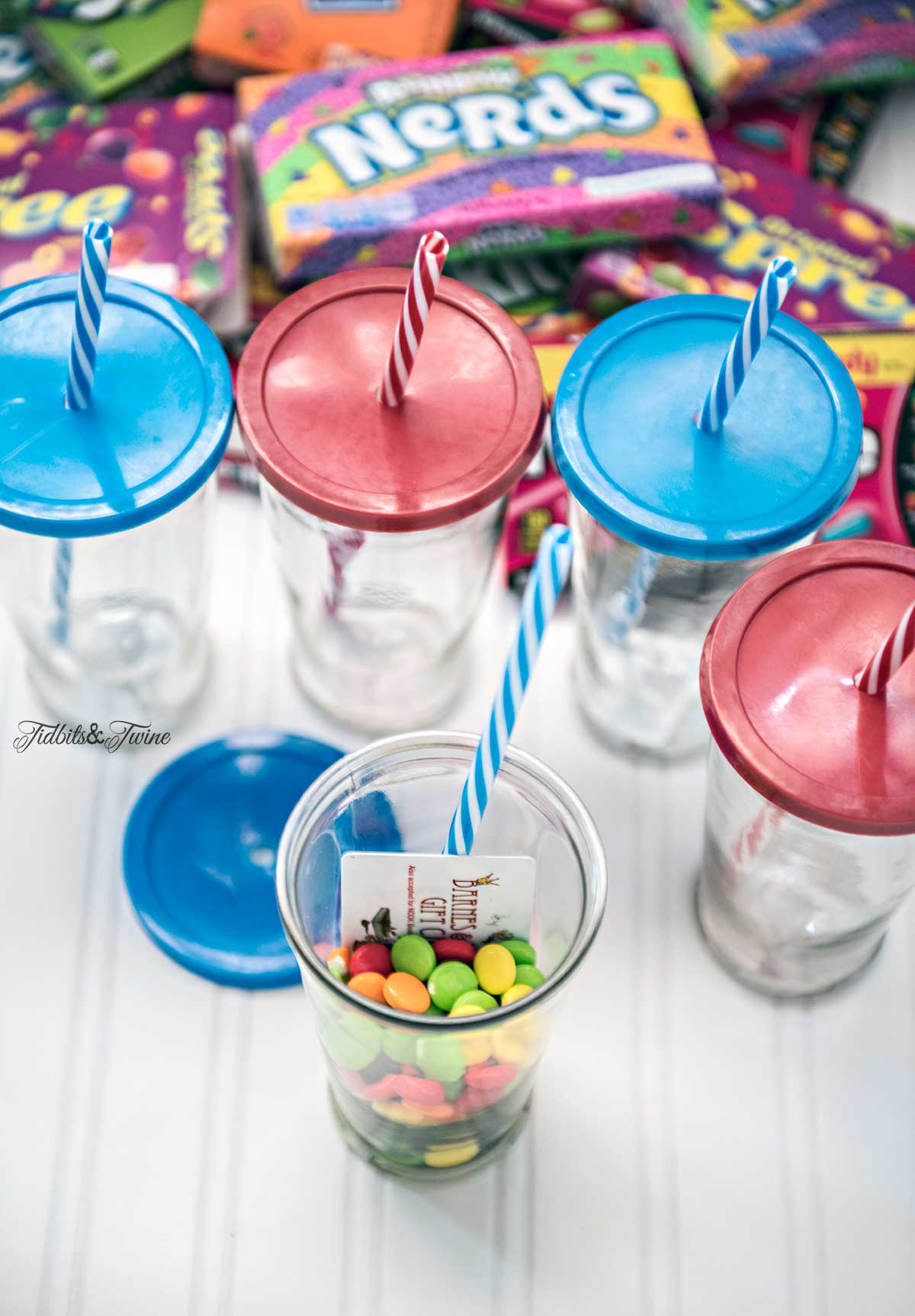 Tidbits&Twine-DIY-Gift-Card-Holder-Candy-Cup-Site