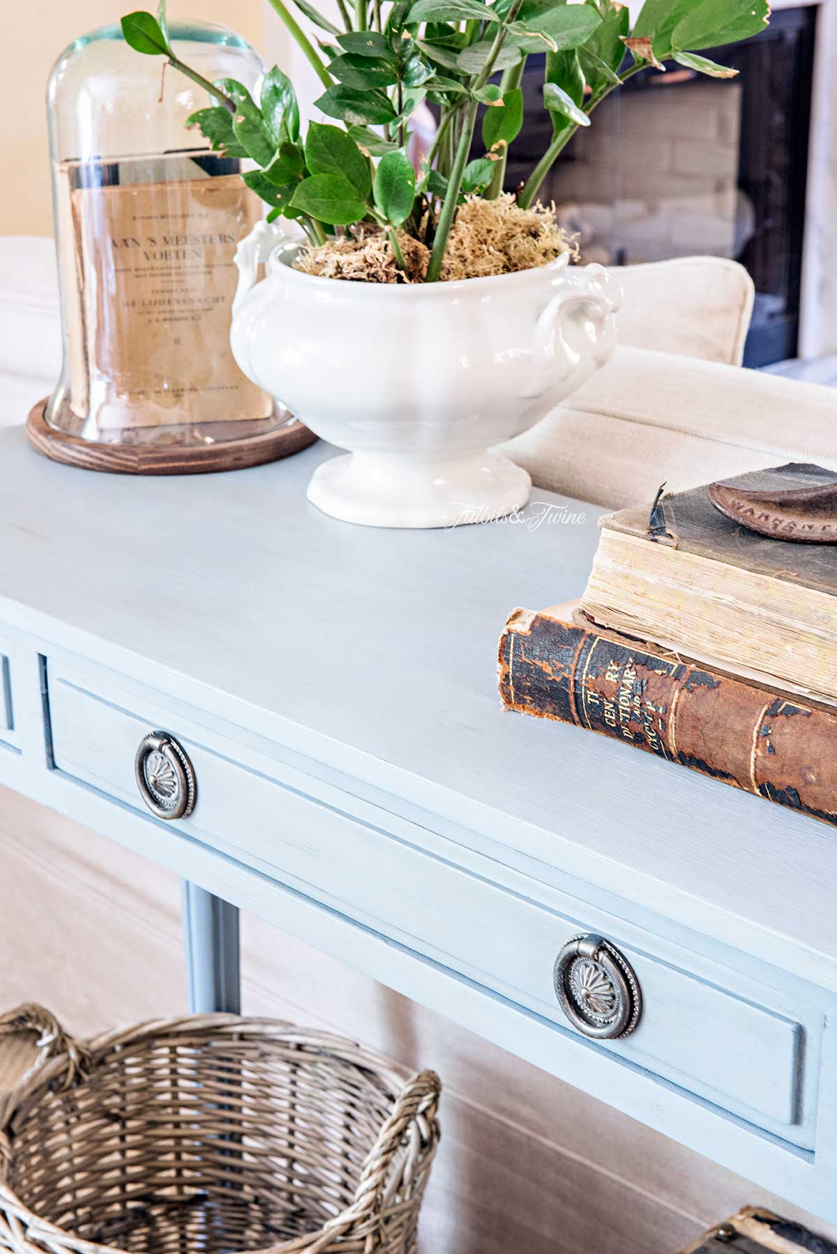 Tidbits&Twine-French-Console-Table-Closeup