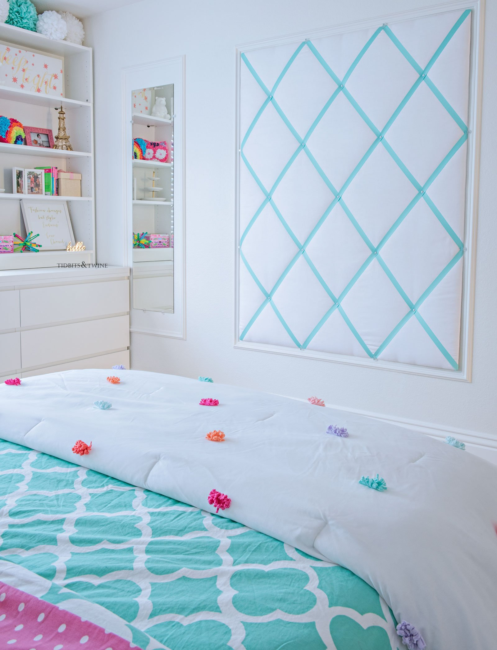 Oversized DIY Ribbon Memo Board in Tween Girl Bedroom