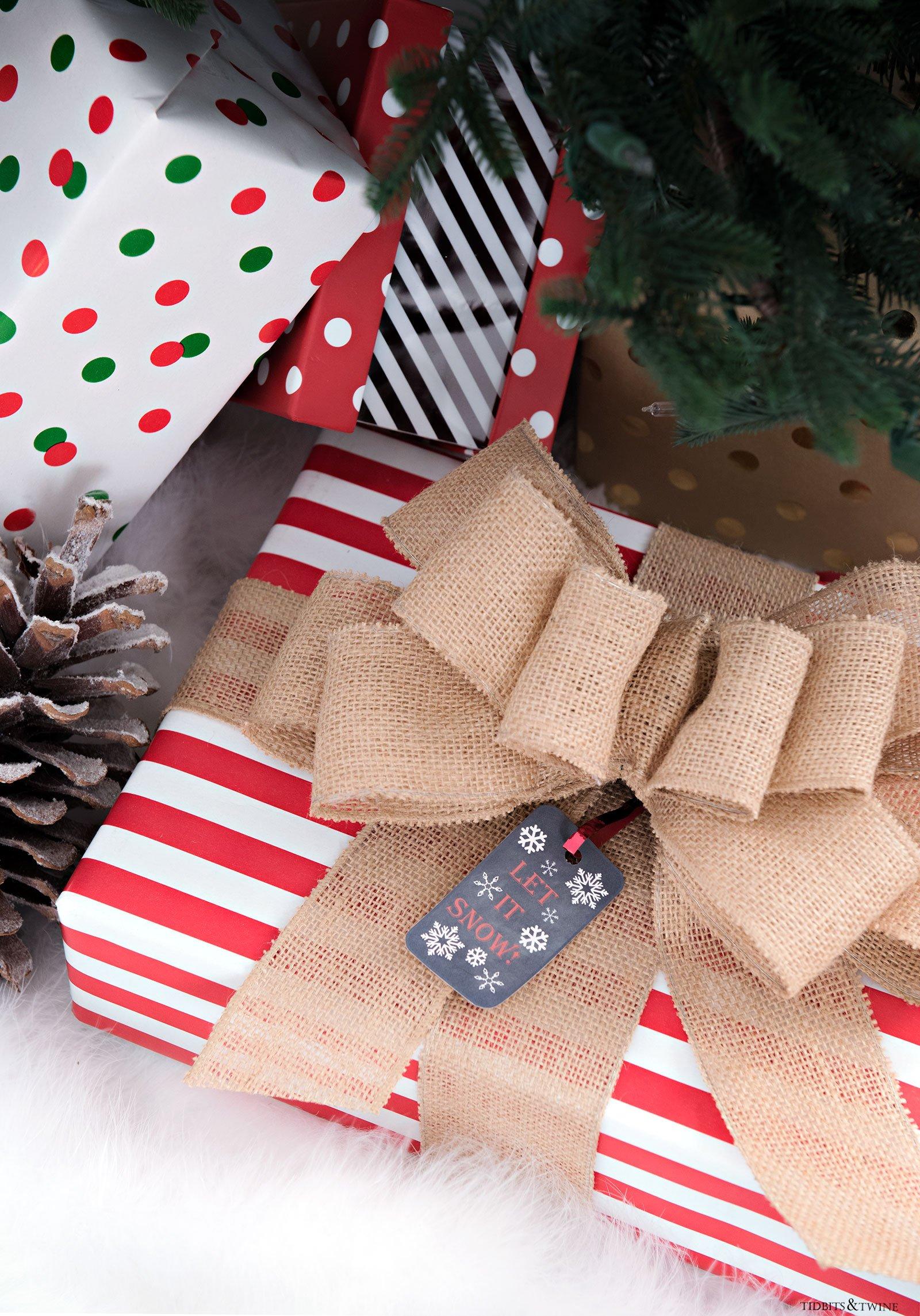 Free printable Christmas gift tags from Tidbits&Twine