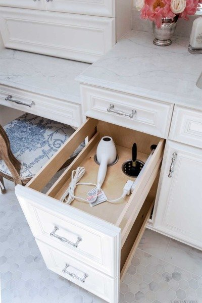 Clever Ideas to Maximize Bathroom Storage