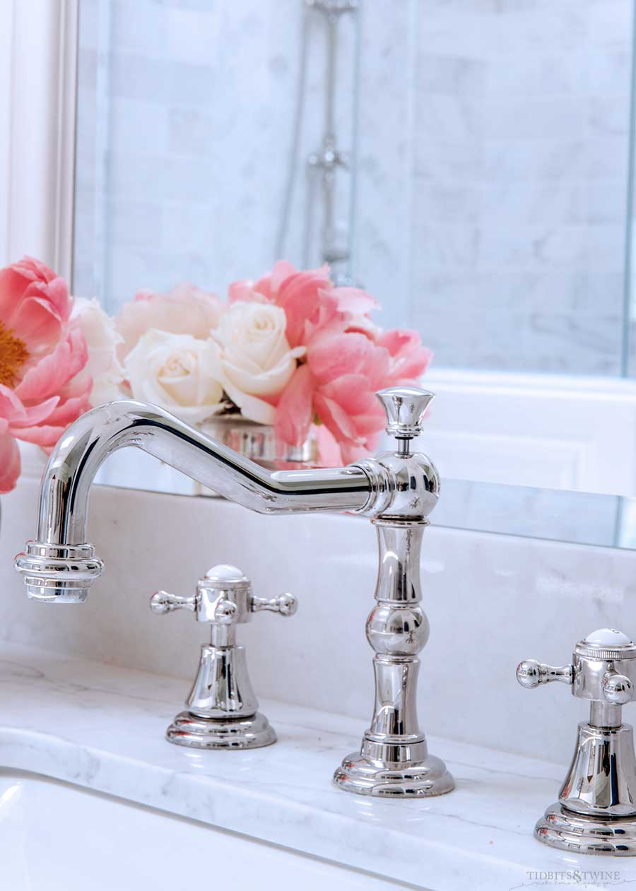 French elegant master bathroom with Sigma Series 350 faucet in chrome