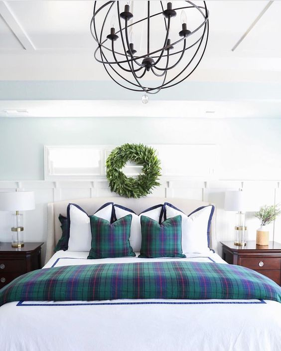 Ideas for How to Decorate Above the Bed Tidbits&Twine - Wreath above bed Williams Sonoma