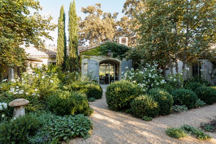 Tidbits and Twine - Brooke Giannetti Patina Farm Gardens