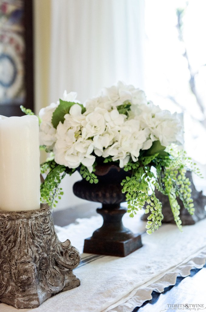 Tidbits&Twine Dining Room Table Centerpiece Tutorial