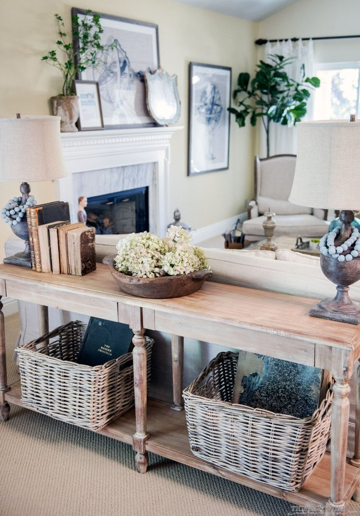 Tidbits&Twine French Living Room with lamps on sofa table