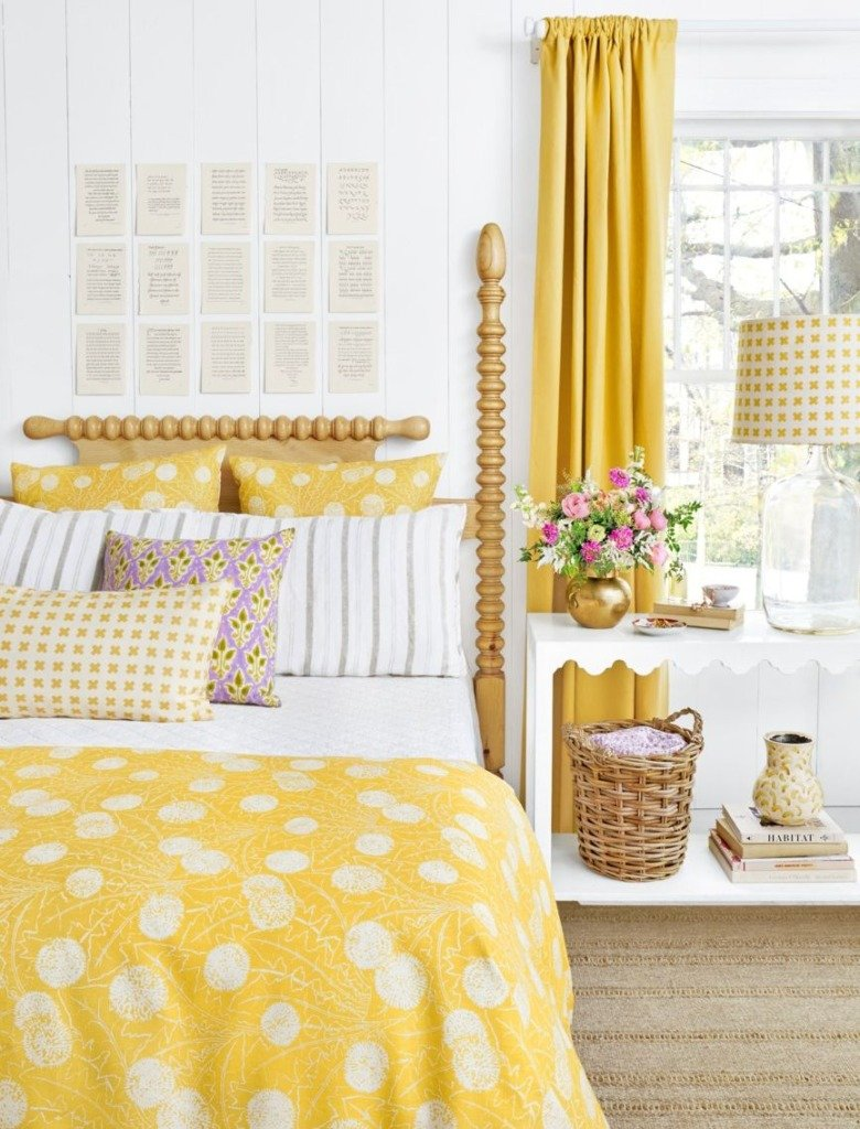 Ideas for How to Decorate Above the Bed Tidbits&Twine - Book Pages Above the Bed with Yellow Bedding