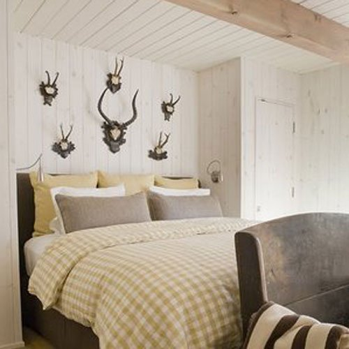 Ideas for How to Decorate Above the Bed Tidbits&Twine - Grouping of Antlers