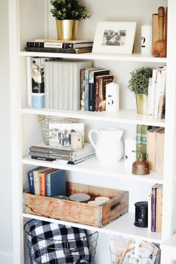How to Style Style a Bookshelf with a variety of objects