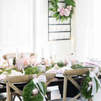 A Pretty Christmas Tablescape in the Dining Room